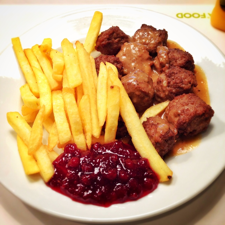 Meatballs with chips, smothered in Gravy and served with Cranberry Jam.